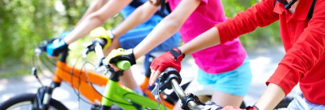 Obóz nauki jazdy na rowerze dla dzieci z niepełnosprawnościami