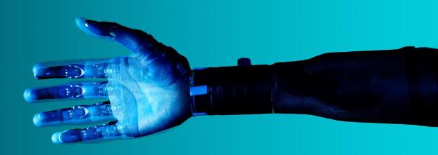 Robot wspiera osoby z niepełnosprawnością – automatyczny egzoszkielet